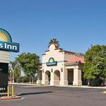 Welcome To Days Inn Phoenix