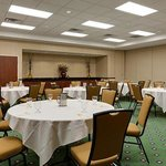  Meeting Room - Rounds Setup
