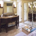 Suite Bathroom the Crowne Plaza Orlando Downtown Hotel