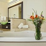  King Whirlpool Suite Bath