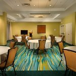 Potomac Meeting Room – Round Style