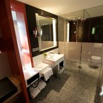 Deluxe Room Bathroom Westwing