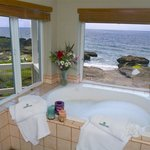 Jetted tub in Sunset Suite