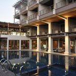 Riva Surya Hotel Swimming Pool & Lounge