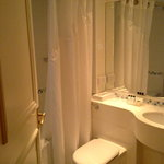 Holiday Inn Basingstoke - Bathroom