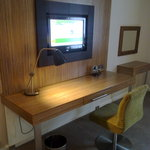 Holiday Inn Stevenage - TV and Desk