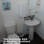 Foto de The Outhouse