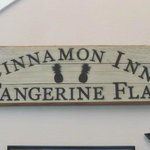 Cinnamon Inn Sign
