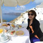 Best moment of the day, breakfast by the caldera!