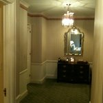  Entry hallway in room