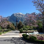 Entrance & Garden of Grand Hotel Hof Ragaz