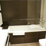 Lovely Bathroom with Power Shower & Toiletries