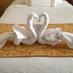 Swan Towels holding Thank You Note