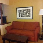 Newly Renovated 2 Queen Suite