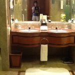 luxurious krungthep bathroom