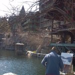 A local artist makes his magic on the grounds of Mohonk