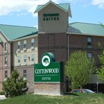 Cottonwood Suites Exterior