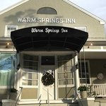 The entrance to the Warm Springs Inn & Restaurant