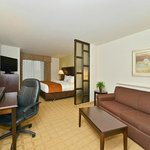 Comfort Suites Commerce Foto