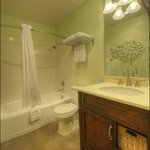 Coronado Suite Parlor Bathroom