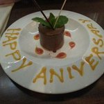 Nice touch from the staff for our anniversary!! (RJHParcelFast)
