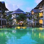 Photo de Navatara Phuket Resort