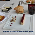 Foie gras de canard en gelée de fruits rouges