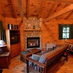 Evergreen jacuzzi cabin