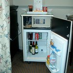 Mini-Bar & Safe