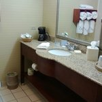 Photo de Hampton Inn - McHenry