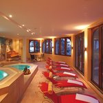 Wellness area with sauna, steam bath and jacuzzi