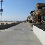 The strand looking north from South Hermosa Beach