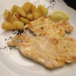 room Service - petto di pollo con patate. GUSTOSO