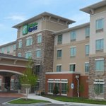 Holiday Inn Express Hotel & Suites Overland Parkの写真