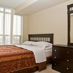 Bedrooms have queen size bed minimum