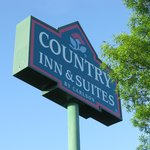 Sign for Country Inn & Suites