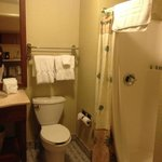 Shared bathroom (located off the living room) in a King Kamehameha Suite