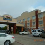 Photo de Baymont Inn & Suites Dallas Love Field
