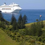 P & O stops in to norfolk island