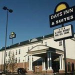 Welcome To Days Inn Suites Murfreesboro
