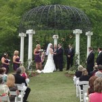 wedding at Lake Allatoona Inn gazebo