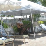 Poolside entertainment - Rusty Lemmon...amazing!