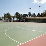 HOLIDAYBASKETBALLTENNISCOURTS