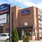 Welcome to the Howard Johnson Inn Toronto Scarborough
