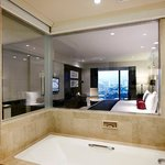 Grand Premier Room - Bathroom