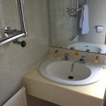towel rail in way of sink