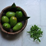 Green mangos and mint
