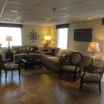 Grand View Inn & Suites