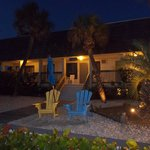 Sabal Palms Inn @ Night
