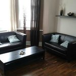 lounge.. spotless and modern